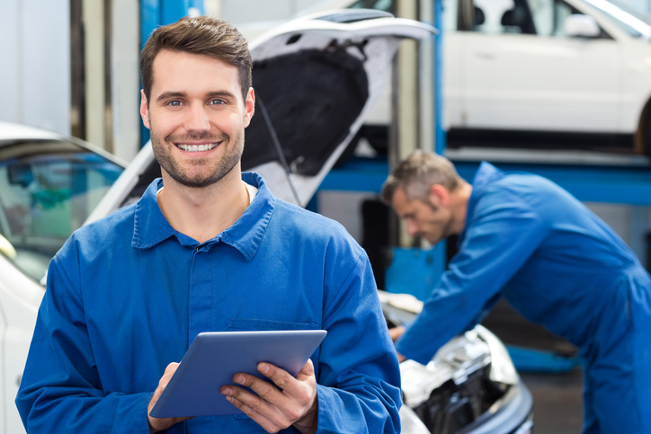 Reasons Why Renting Automotive Mechanic Uniforms is Better Than Buying